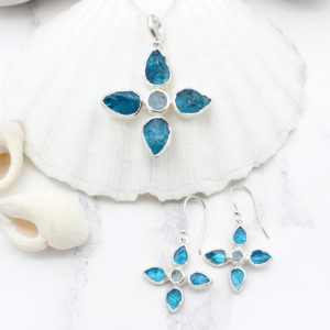 Handmade Neon Apatite & Aquamarine Gemstone Pendant & Earrings Set